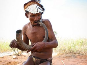Isak Kruiper playing the mouth bow | Khomani San